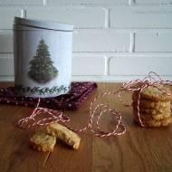 Renifer do czyszczenia i ciasteczka kawowo-orzechowe