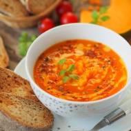 Aksamitna zupa krem z dyni i pomidorów