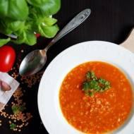 Pikantna zupa z czerwoną soczewicą