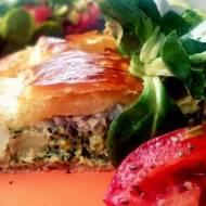 ryba zapiekana w cieście francuskim z brokułami
