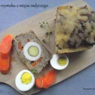 Pieczeń rzymska z mięsa indyczego.