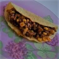 Taco z mięsem mielonym i kukurydzą