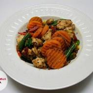 Mięso mielone z kaszą pęczak i mieszanką warzyw
