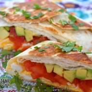 Pakieciki z jajecznicą, pomidorem i awokado