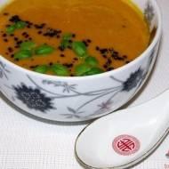 Zupa dyniowa zpastą curry
