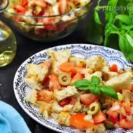 Sałatka z pomidorem i grzankami