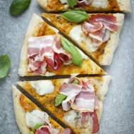 Pizza z dynią i boczkiem dojrzewającym