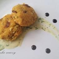 Kotleciki jajeczne z kaszą jaglaną w cytrynowo - koperkowym sosie