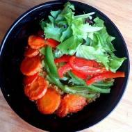 Kuskus z pieczonymi warzywami na ostro - pomysł na lunch.