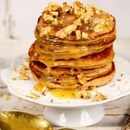 Bananowe pancakes z solonym sosem karmelowym