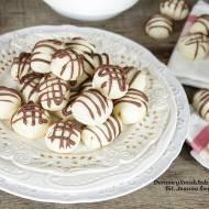 ciasteczka maślane z orzechami w środku