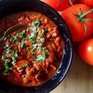 Dietetyczny strogonow, czyli gulasz wołowy z papryką, pomidorami i pieczarkami.