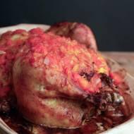 pieczony kurczak nadziewany kasztanami i jabłkami