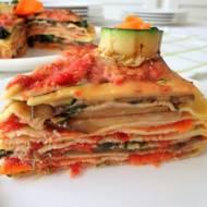 Tort naleśnikowy z grillowanymi warzywami (Torta di crepes con verdure grigliate)