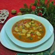 Zupa rybna z pomidorami i cukinią