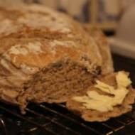 Pyszny chleb z mąki pszennej i razowej