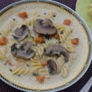 Zupa pieczarkowa z brązowych pieczarek z mascarpone