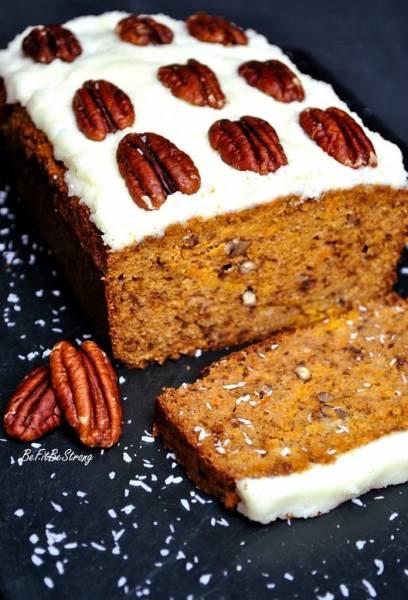 Bezglutenowe ciasto marchewkowe z kokosem bez mąki