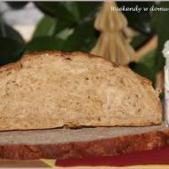 Fiński chleb świąteczny w grudniowej piekarni