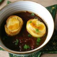 Zupa z czerwonej cebuli.