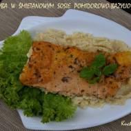 Ryba w śmietanowym sosie pomidorowo - bazyliowym podana na puree z selera