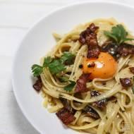 Włoska carbonara z surowym żółtkiem – makaronowy ideał