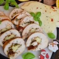Drobiowe roladki na zimno z serem korycińskim i suszonymi pomidorami
