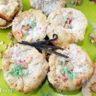 Muffiny z suszonymi jabłkami nadziewane twarożkiem (z nutą karmelowo-waniliową)