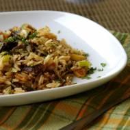 Ryż basmati z wołowiną, cukinią i orzechami nerkowca