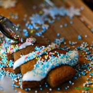 Lukier cytrynowy do dekoracji ciast z cukru pudru.