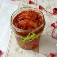 Śledzie z podsmażaną cebulą i pomidorami