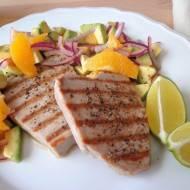 Tuńczyk z salsą z awokado, limonki i pomarańczy (Tonno con salsa al lime, avocado e arancia)
