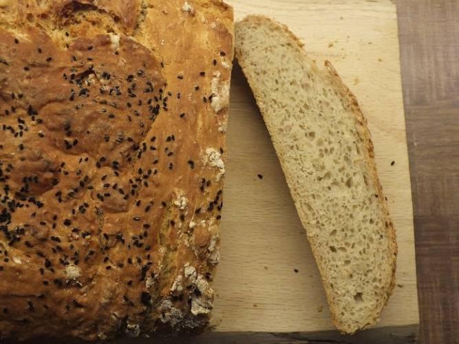 Duży chlebek swojski, na drożdżach
