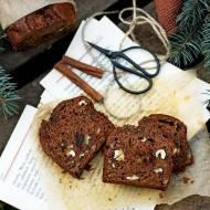 Rozgrzewające ciasto daktylowe z orzechami