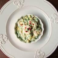Koktajl krewetkowy z zielonym groszkiem i kukurydzą na domowym majonezie