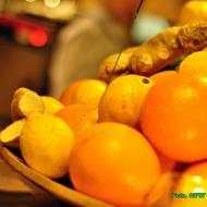 Wzmacniający sok owocowy z imbirem.