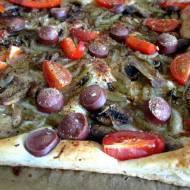 """Wegańska """"pizza"""" na cieście francuskim"""