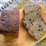 Chleb razowy ze śliwkami