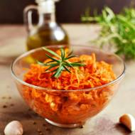 Surówka z marchewki i czosnku
