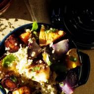 Pieczone bulwy i korzenie z quinoą i orientalną nutą (bez glutenu, bez laktozy, wegańskie)