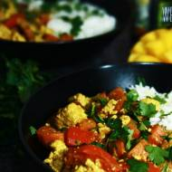 Curry z tofu i mango