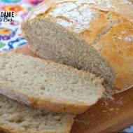 Mięciutki chleb z garnka z chrupiącą skórką - prosty przepis!