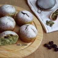Muffinki ze szpinakiem, żurawiną i pestkami dyni
