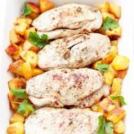 Kieszonki z kurczaka nadziewane jabłkiem, śliwką i orzechami