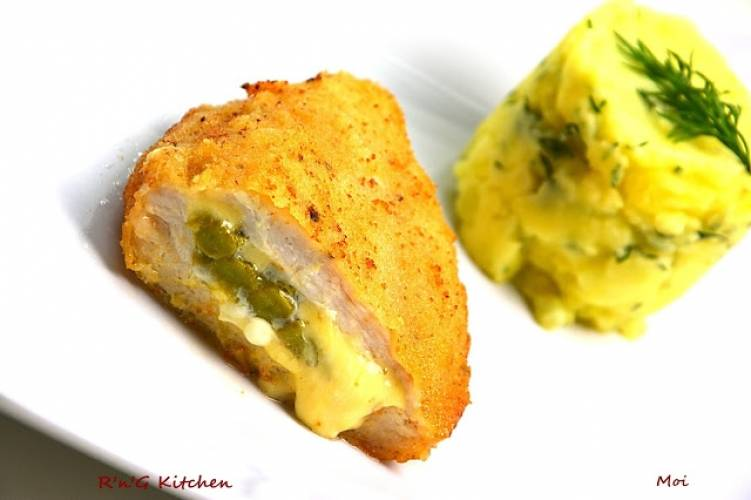 Drobiowe kotlety ze szparagami i serem