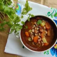 Warzywna zupa z czarnym oczkiem.