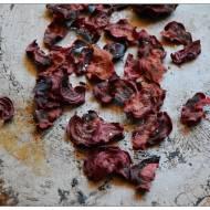 Chipsy z burakow i garsc obaw