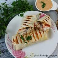 Tortilla z grillowanym tuńczykiem