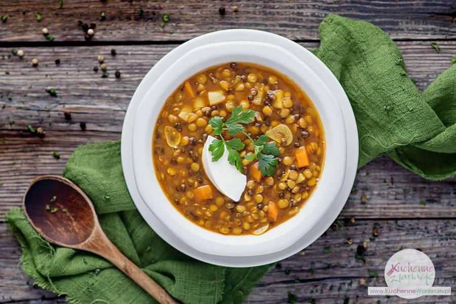 Indyjska zupa dahl z soczewicy