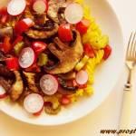 Pieczarki portobello z makaronem kukurydzianym (bez glutenu)